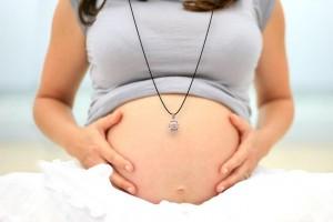 Cadeau original pour femme enceinte : les bolas de grossesse indonésiens