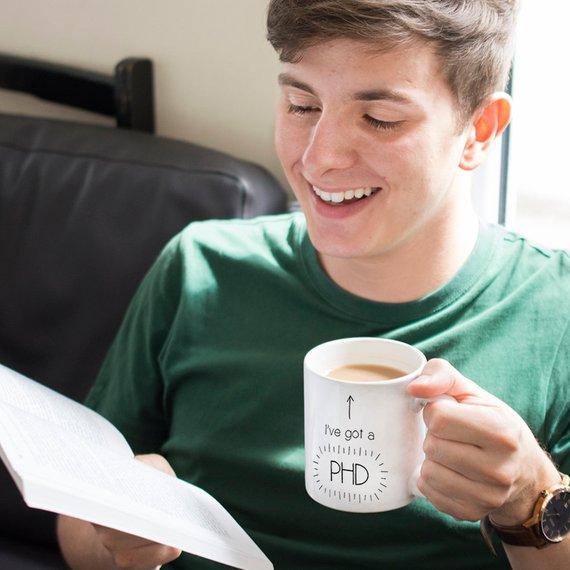 Offrir une tasse originale à un étudiant