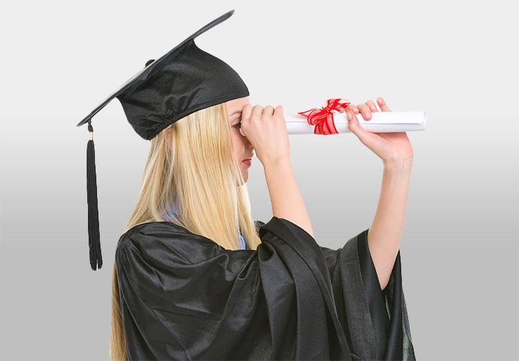 S'habiller en toge universitaire pour la fin des études !